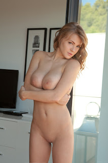 Ordinary Women Nude - Viola%2BBailey-S01-047.jpg