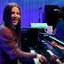 """Em especial para o CBC Music, Amy Lee ensina como tocar """"Your Star"""""""