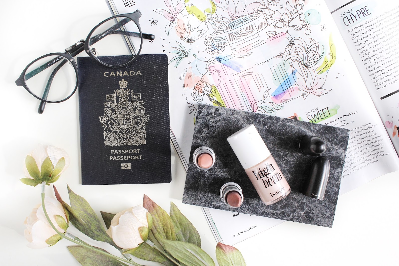 In My Makeup Bag | What I'm Taking On Vacation
