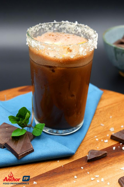 MOODMOJEE - Instagrammable Drinks - Yuzu Chocolate Surprise