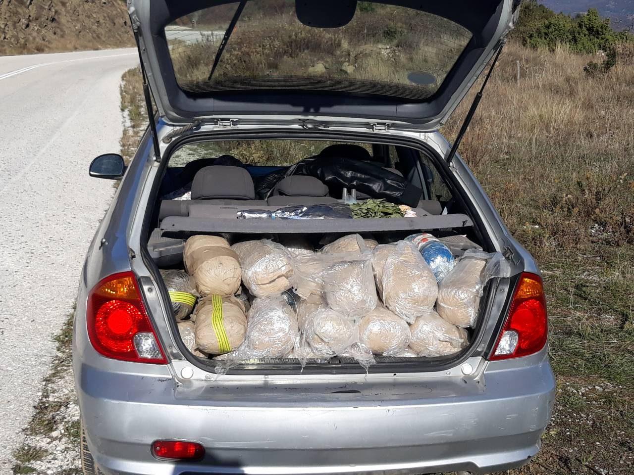 Εντοπίστηκε Ι.Χ.Ε. αυτοκίνητο στο Δρίσκο Ιωαννίνων με περισσότερα απο 100 κιλά κάνναβης [φωτο ΕΛ.ΑΣ]
