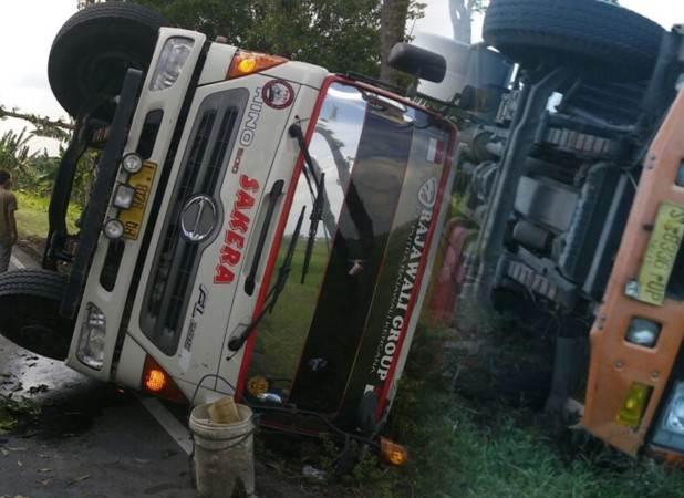Jalur tengkorak Ngawi-Solo dalam sehari dua truk terguling di lokasi yang sama