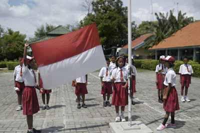 SD Di Solo Tak Mau Hormat Bendera Dan Menyanyikan Lagu ...