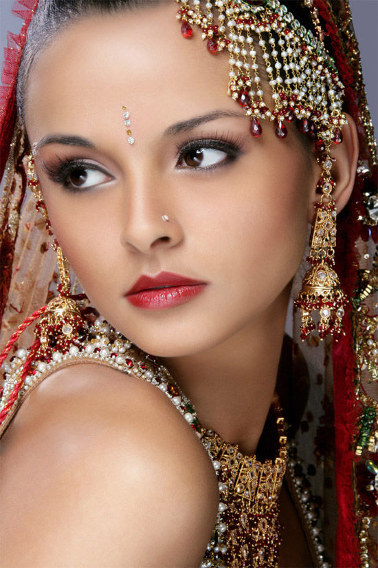 Most Beautiful Indian Brides Pics-in Gorgeous Dresses The