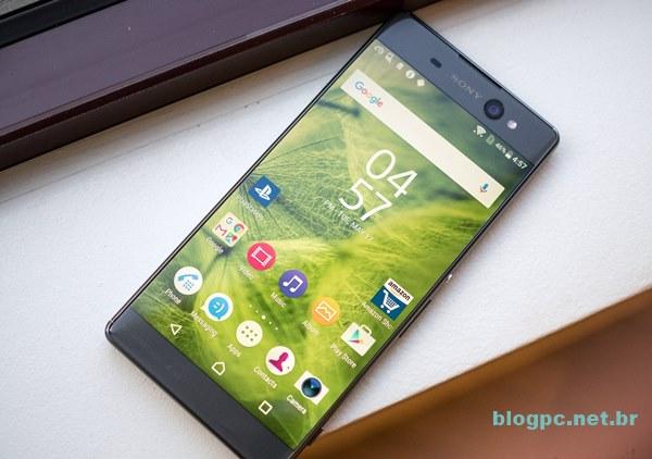 Xperia XA Ultra: o smartphone é voltado para quem gosta de telona e de tirar selfies