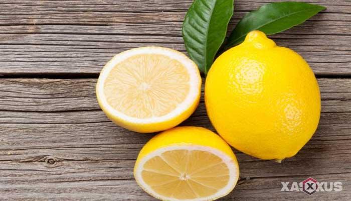 Cara memerahkan bibir dengan lemon