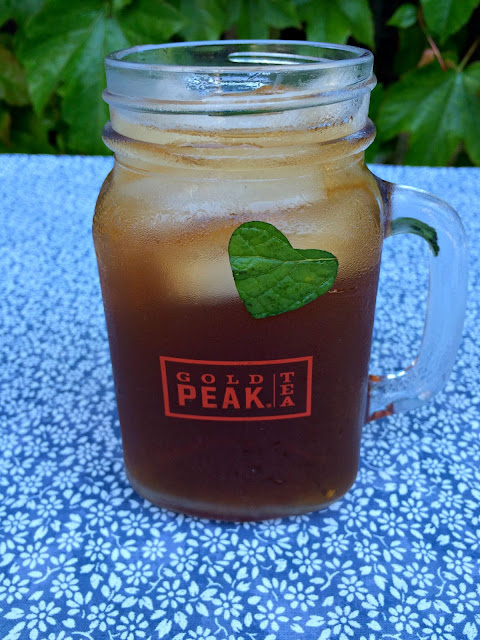 Sweet Tea with fresh mint hearts - www.jacolynmurphy.com