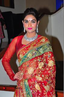 Model Sharon Fernandes Stills in Red Saree at Trendz Exhibition Launch  0003.JPG