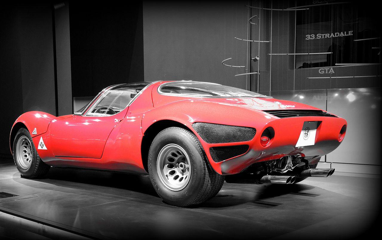 Η  θρυλική Alfa Romeo 33 Stradale