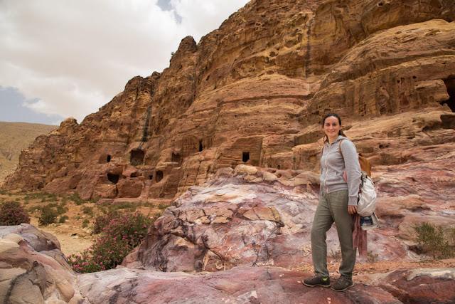 Tumbas sin turistas en Petra, Jordania