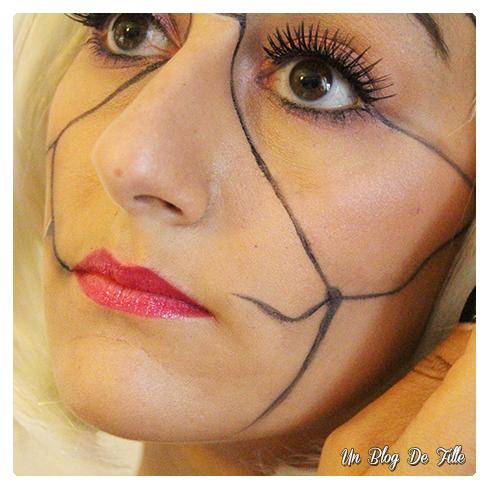 http://unblogdefille.blogspot.com/2015/10/halloween-makeup-poupee-cassee-avec-tuto.html