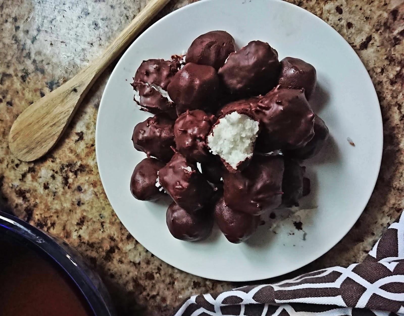 Homemade Dairyfree 'Bounty' balls