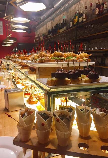 Mangiare tapas y Pintxos Barcellona