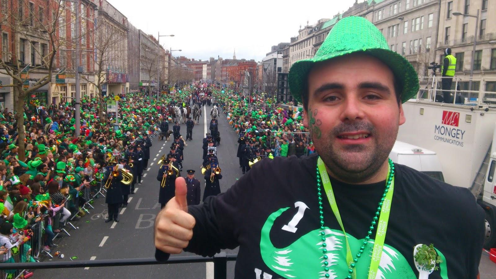Desfilando en San Patricio de Dublin.