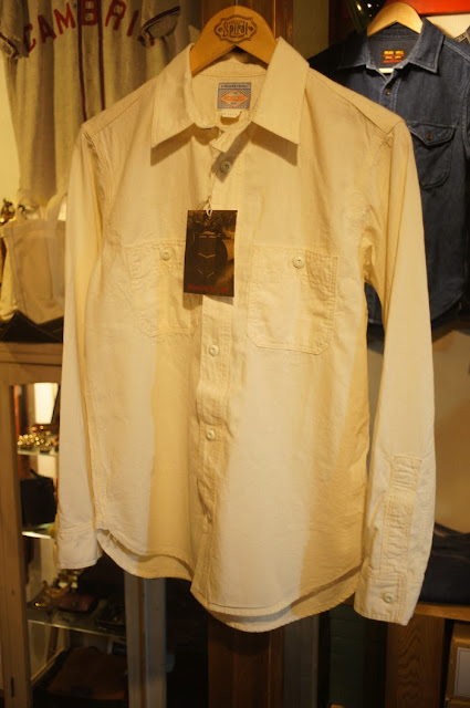 Workers    Metal Button Work Shirt    White Chambray