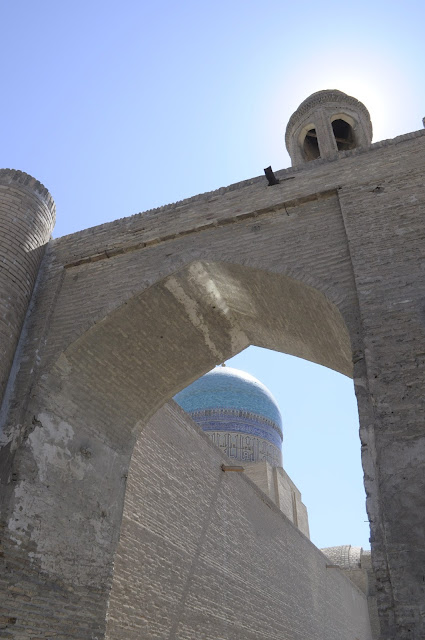 things to see and do in Bukhara Uzbekistan street scene