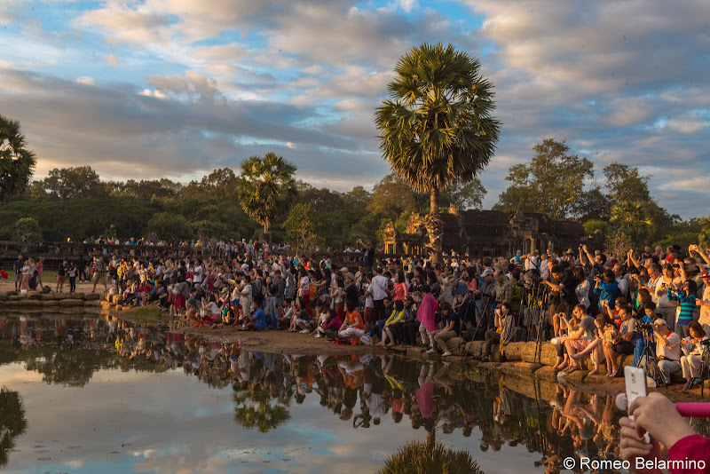 Crowds Angkor Wat Sunrise Tips Siem Reap Cambodia
