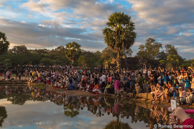 Crowds Angkor Wat Sunrise Tips Siem Reap Cambodia