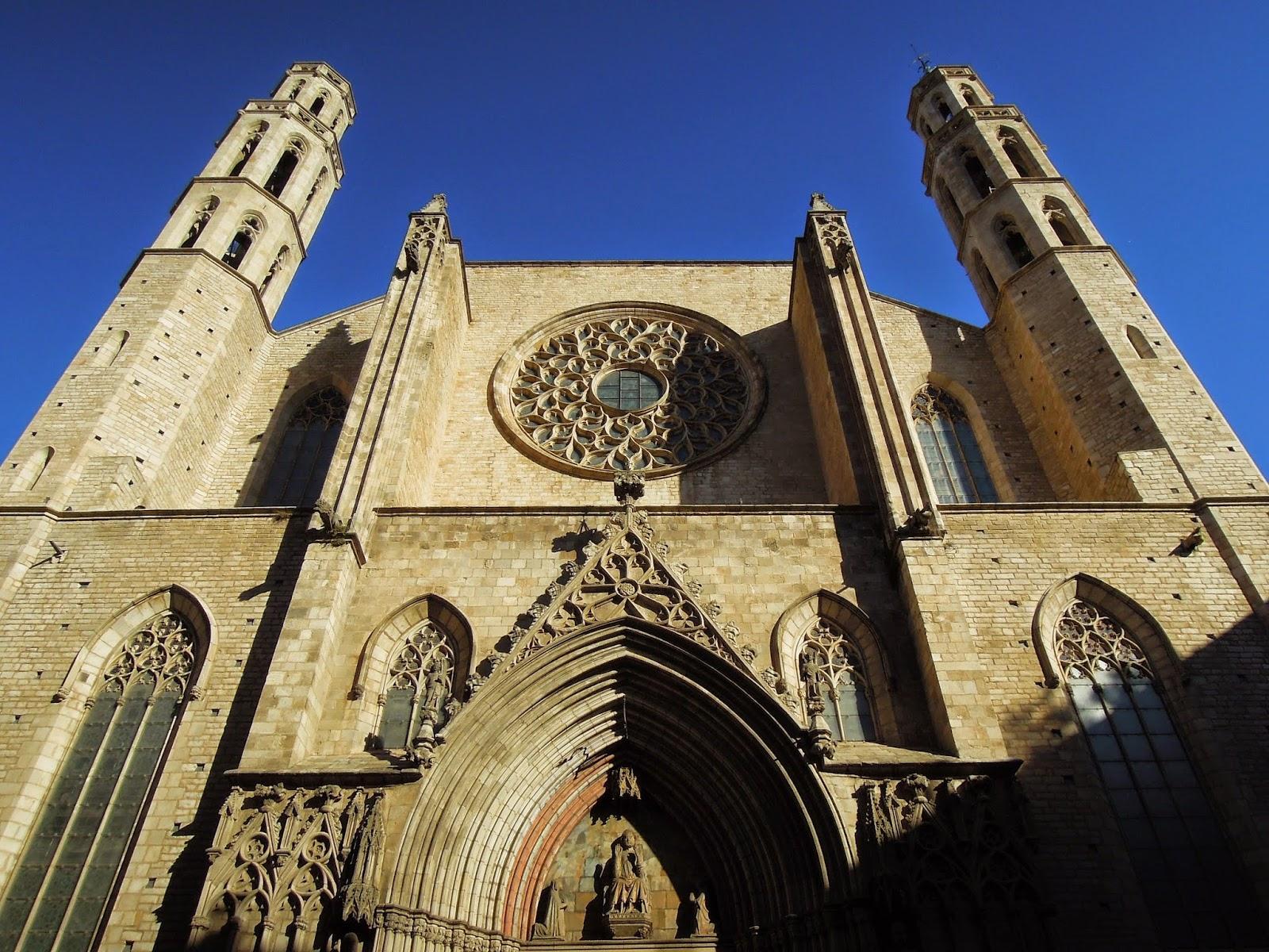 La facciata di Santa Maria del Mar