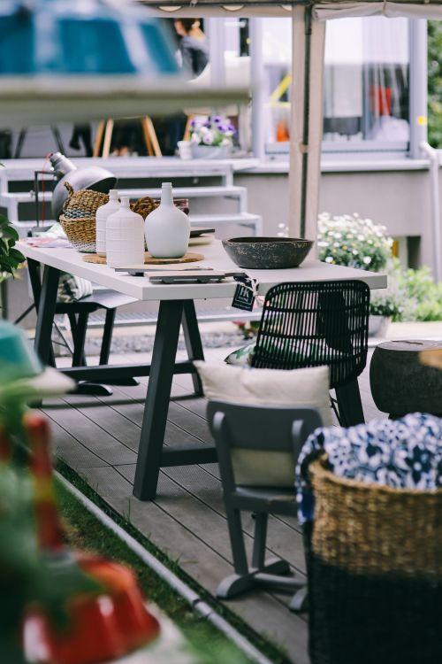 Jak ustawić meble w patio?