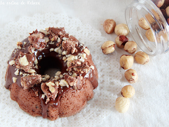 Bizcocho de chocolate y avellanas (o Ferrero Rocher bundt cake)