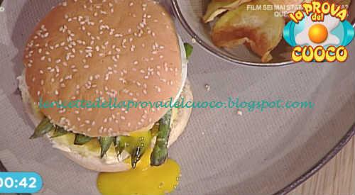 Prova del cuoco - Ingredienti e procedimento della ricetta Panino con uova e asparagi di Gian Piero Fava