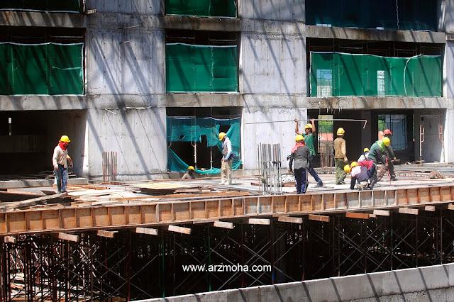 5 Sektor Pekerjaan Yang Mempunyai Statistik Kemalangan Tertinggi Di Malaysia, sektor pembinaan, construction, kerja berisiko tinggi, statistik kemalangan mengikut sektor pekerjaan, panduan kerja singapura, cara dapatkan gaji lebih,