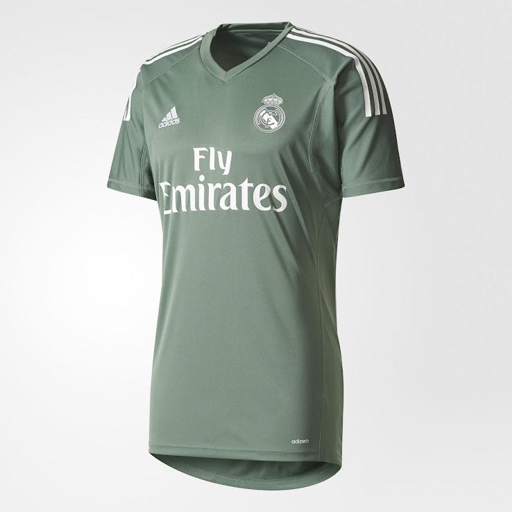 big sale f02d4 0c161 Real Madrid 17-18 Goalkeeper Home & Away Kits Released ...