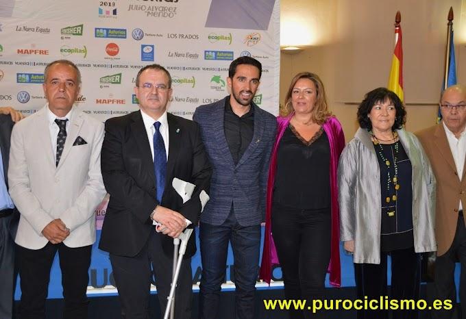Gala de entrega de las insignias de oro de la Vuelta a Asturias 2019