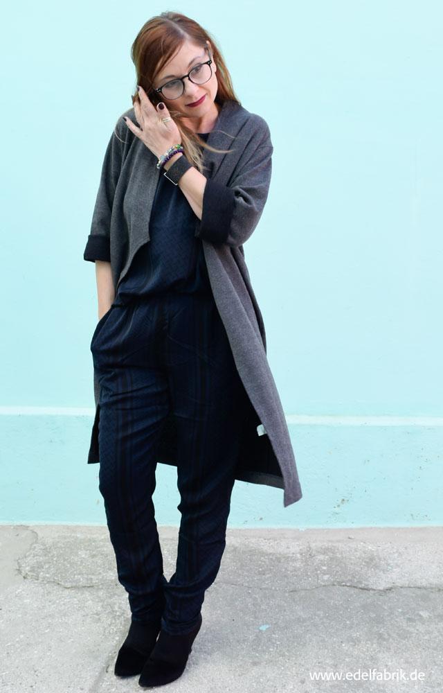 die Edelfabrik, Pyjama Style, dunkelblau, Zweitteiler, TK Maxx, grauer Mantel