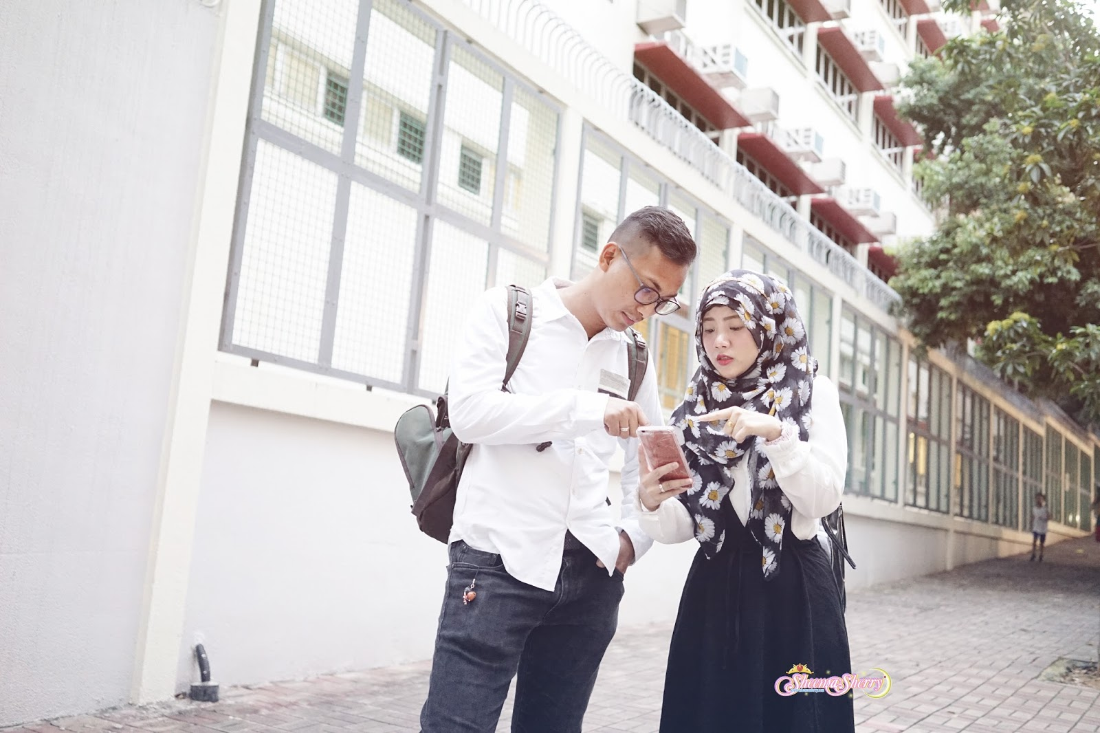 Kawaii Hijabi OOTD Hong Kong Wanchai Married Couple Hijab Cute Larme Kei Travel Travelling Muslim Halal