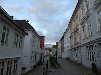 bergen barrio casitas colores nordnes