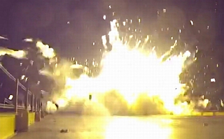 Falcon 9 first stage explodes on barge