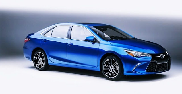 2017 Toyota Camry SE Review