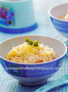Aduk dan masak hingga manjadi bubur matang Resep Bubur Nasi Pisang