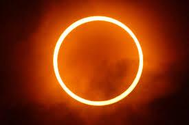 Bahaya Melihat Gerhana Matahari Total Secara Langsung  Berakibat Kebutaan !!!