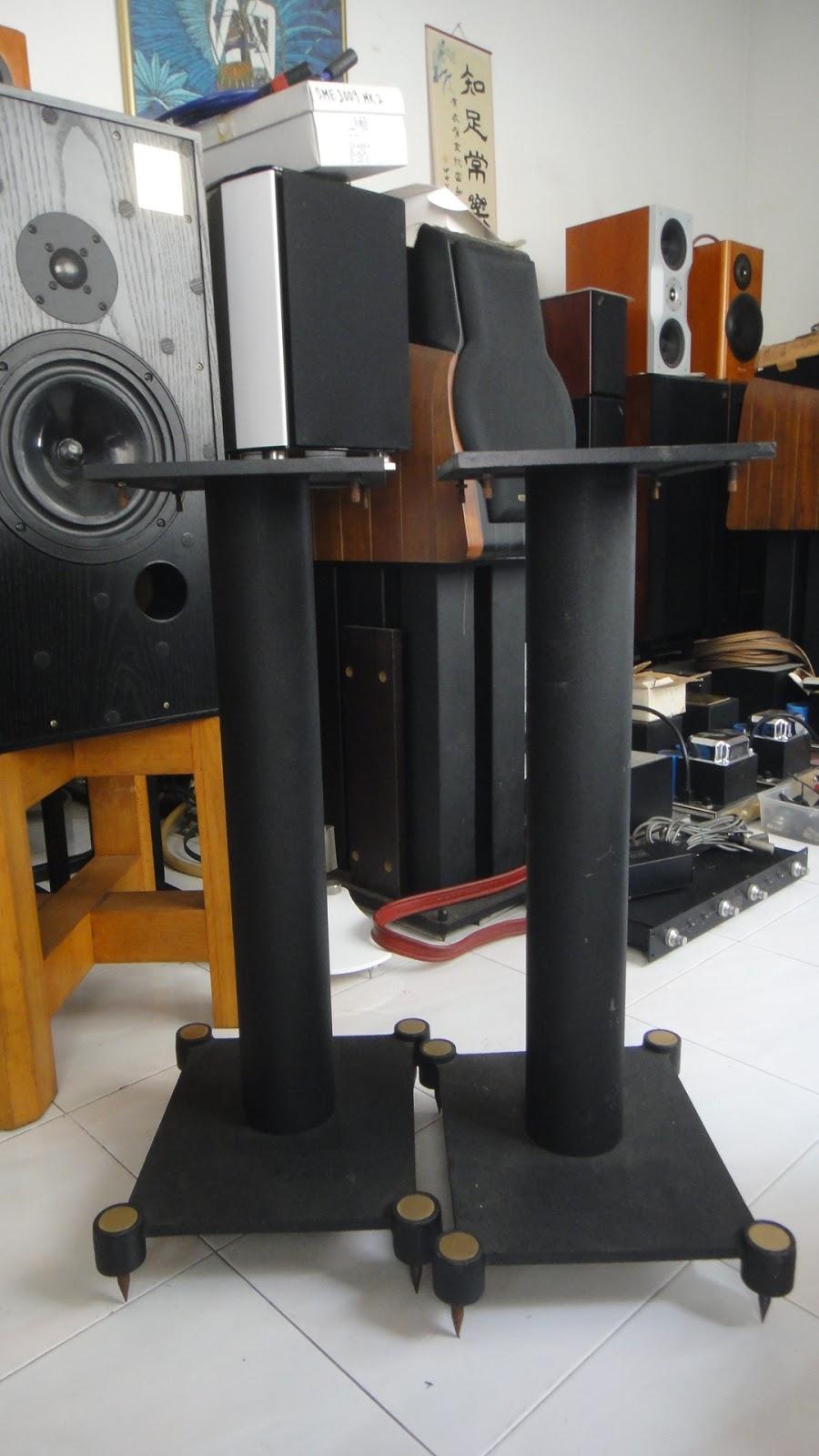 Spica Gravity Speaker Stands DSC05614