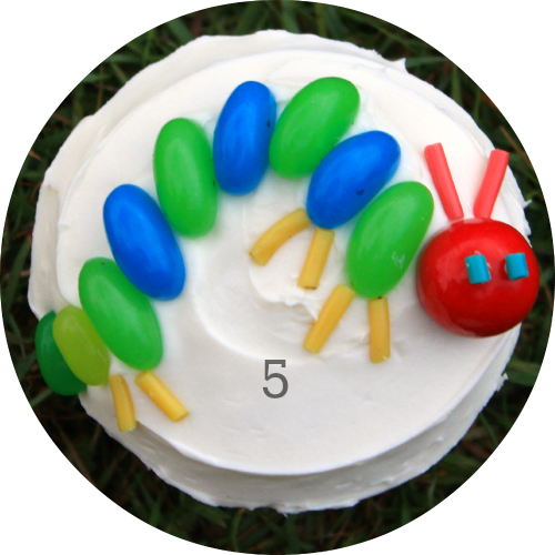 How to decorate a hunget caterpillar inspired birthday cupcake! Easy!