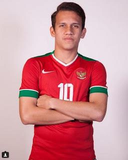 Merupakan pesepakbola muda berbakat asal Indonesia Biodata Egy Maulana Vikri Terlengkap, Pacar, Fakta, Foto, Hobi dan Banyak Lagi