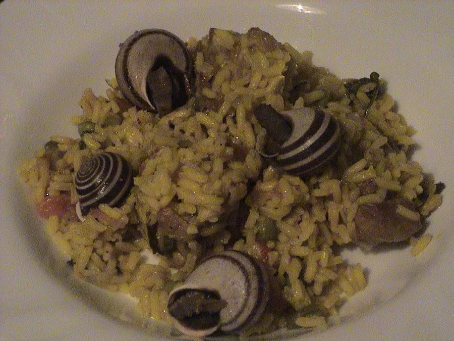 arroz con conejo y caracoles