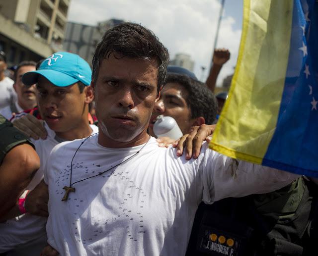 Leopoldo López: No se le puede dar oxígeno a una dictadura que quiere asfixiar a toda la sociedad