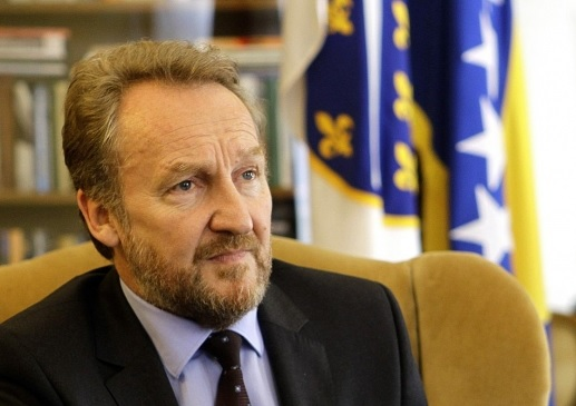 Bosnia's politician Bakir Izetbegovic asks the recognition of Kosovo