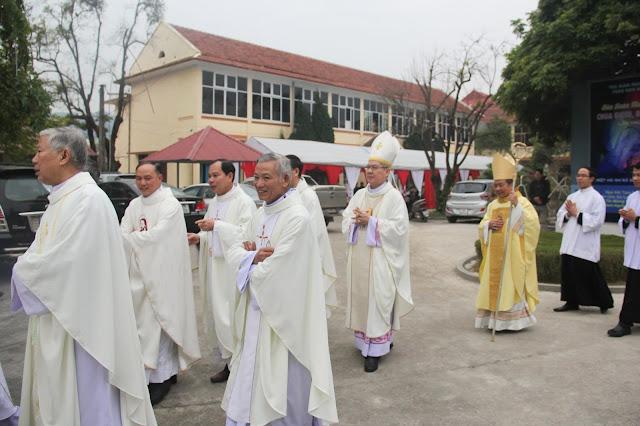 Lễ truyền chức Phó tế và Linh mục tại Giáo phận Lạng Sơn Cao Bằng 27.12.2017 - Ảnh minh hoạ 82