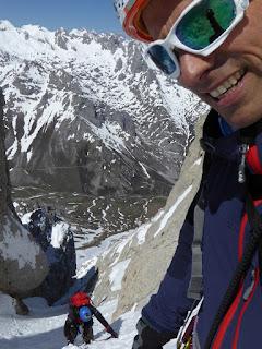 Fernando Calvo Guia de alta montaña UIAGM en Picos de Europa , escaladas y ascensiones #rab #lowealpine #campcassin #redchiliclimbing #oakleyeurope