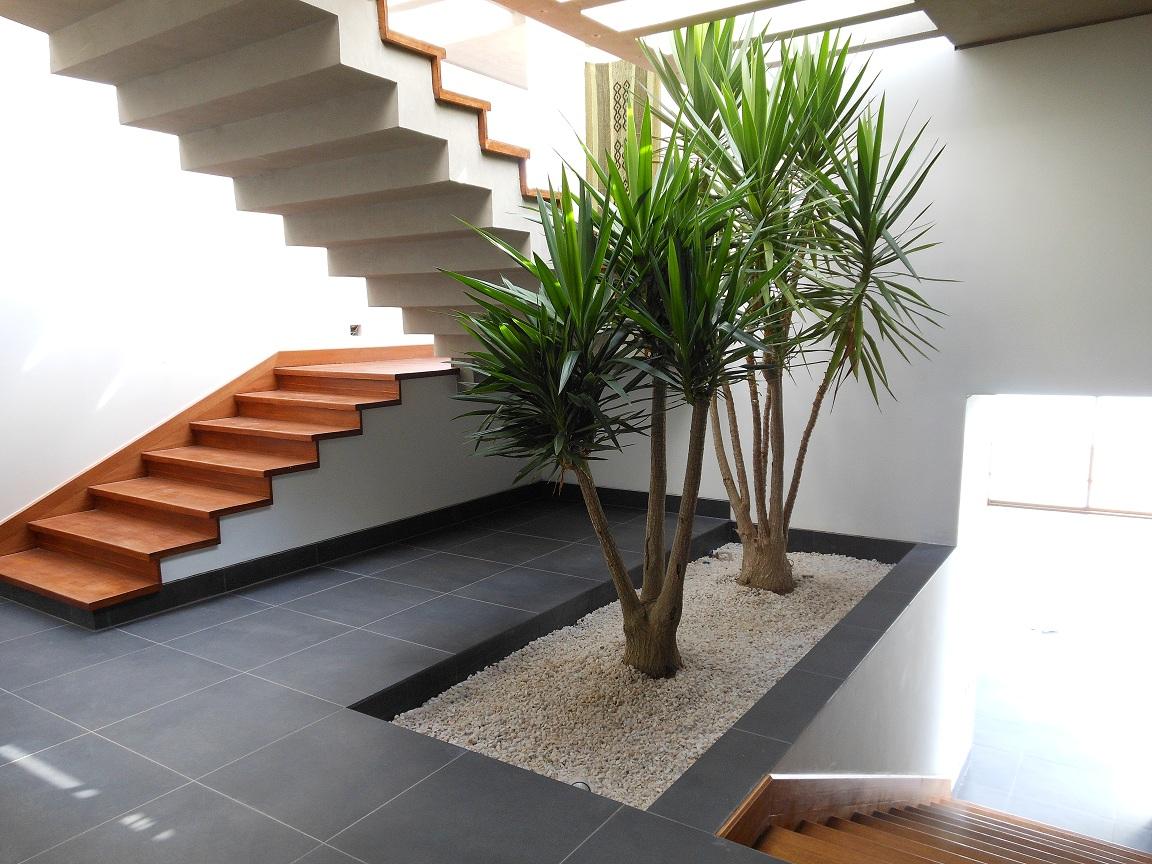 Paisajismo en chile for Huecos de escaleras modernos