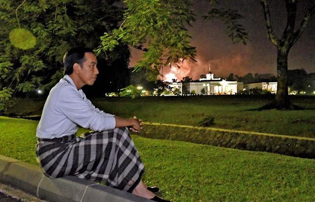 Foto Jokowi Saat Tahun Baru Viral di Media Sosial