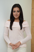 Catherine tresa gorgeous in white-thumbnail-8