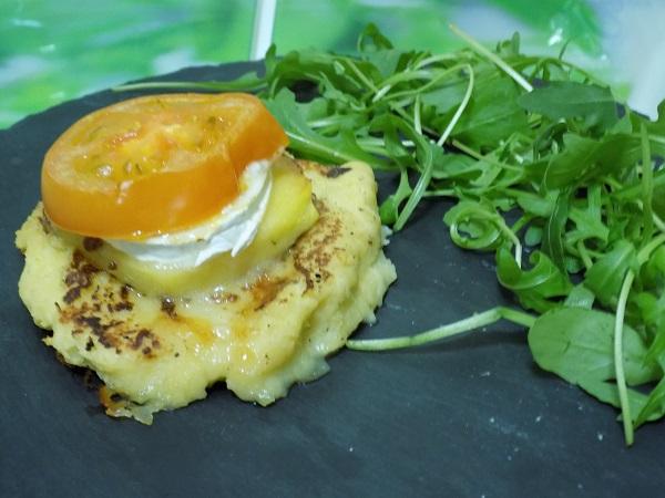 Timbal de patata con manzana y queso de cabra