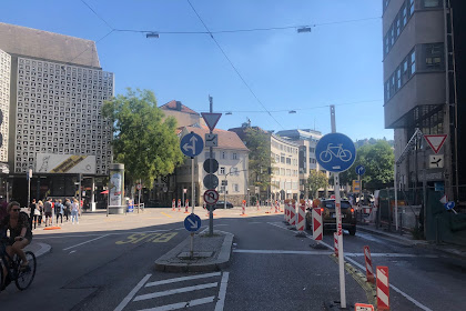 The slowest traffic light in the Stuttgart is gone away