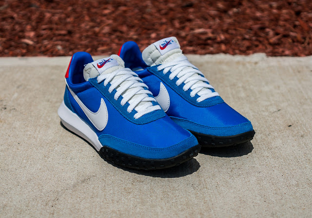 Nike Sports Wear Waffle Racer azul blue red